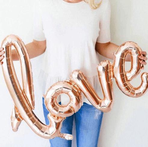 Воздушные шарики Love на день всех влюбленных