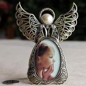 Рамка для фотографий в виде ангелочка