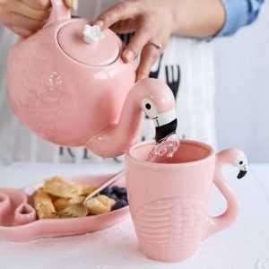 Чайник-фламинго с чашкой - набор 3D